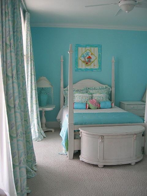 Help your teenager create their dream room!